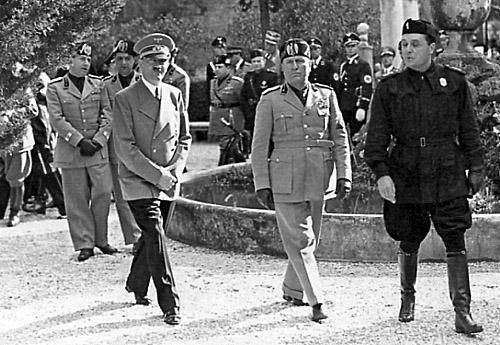 Ranuccio Bianchi Bandinelli durante la visita di Hitler a Roma nel 1938