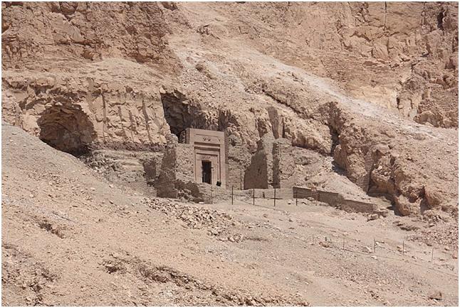 tomba Senenmut